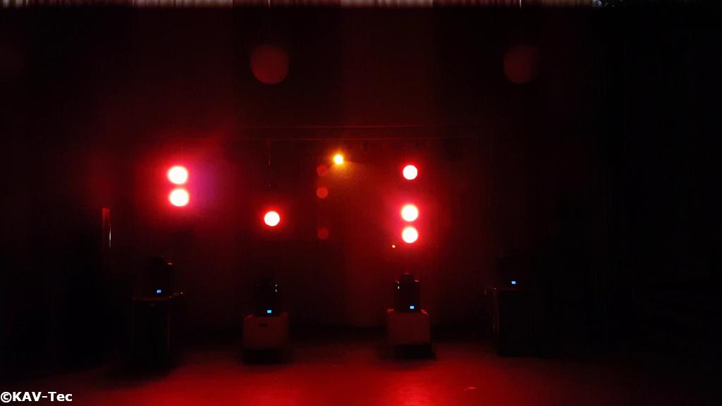 KAV-Tec Truss mit LED-Par-Pipes und Moving Heads